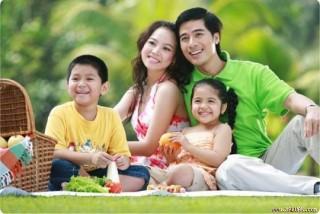 Chỉ thị 06 – CT-TW của Ban Bí thư về tăng cường sự lãnh đạo của Đảng đối với công tác xây dựng gia đình trong tình hình mới