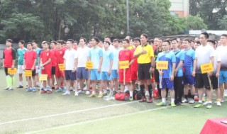 Khai mạc Giải bóng đá mini chào mừng Ngày Khoa học và Công nghệ Việt Nam 18/5 và thành công Đại hội V - Công đoàn viên chức Việt Nam