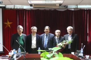 Lễ Công bố và trao Quyết định bổ nhiệm lại Phó Viện trưởng Viện Kinh tế Việt Nam.