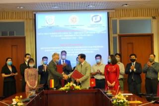 Lễ ký kết biên bản ghi nhớ hợp tác giữa Viện Nghiên cứu Châu Âu (Viện Hàn lâm Khoa học xã hội Việt Nam) và tổ chức Friedrich Naumann (Đức) giai đoạn 2021-2024